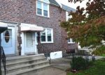 Foreclosed Home en HILLCREST DR, Glenolden, PA - 19036