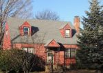Foreclosed Home en COOPER HILL ST, Manchester, CT - 06040