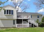 Foreclosed Home en RAVEN RD, Trumbull, CT - 06611