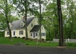 Foreclosed Home en PURDY STATION RD, Newtown, CT - 06470