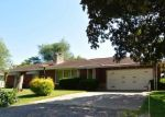 Foreclosed Home in S BARNEWOLT DR, Peoria, IL - 61604