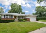 Foreclosed Home en ELMA AVE, Elgin, IL - 60120