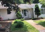 Foreclosed Home en BALL HILL RD, Storrs Mansfield, CT - 06268