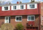 Foreclosed Home en GALETON DR, Verona, PA - 15147