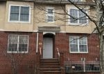 Foreclosed Home en PATRICIA LN, Bronx, NY - 10465