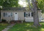 Foreclosed Home en LEXINGTON RD, Shirley, NY - 11967