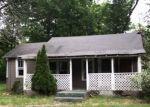 Foreclosed Home in PETTICOAT LN, Bloomingburg, NY - 12721