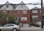 Foreclosed Home en MIDDLETOWN RD, Bronx, NY - 10461