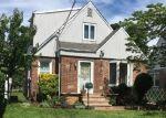 Foreclosed Home en ROTTKAMP ST, Valley Stream, NY - 11580
