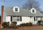 Foreclosed Home en E LYONS ST, Melville, NY - 11747