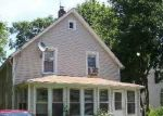 Foreclosed Home en RHODES AVE, Bay Shore, NY - 11706
