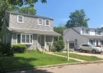 Foreclosed Home en FAIRVIEW AVE, Islip Terrace, NY - 11752
