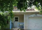 Foreclosed Home en ELM ST, Central Islip, NY - 11722