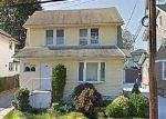 Foreclosed Home en W MINEOLA AVE, Valley Stream, NY - 11580
