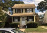 Foreclosed Home en N COTTAGE ST, Valley Stream, NY - 11580