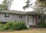 Foreclosed Home en WINTERGREEN DR, Melville, NY - 11747