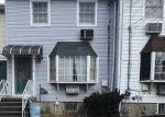 Foreclosed Home en RYAN RD, Springfield Gardens, NY - 11413