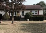 Foreclosed Home en HEARTHSTONE DR, Albany, NY - 12205