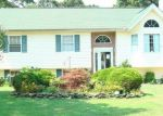 Foreclosed Home en JOHNS NECK RD, Shirley, NY - 11967