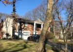 Foreclosed Home en CAPITOL CT, Hauppauge, NY - 11788