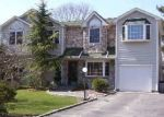 Foreclosed Home en SOUTHERN BLVD, Hauppauge, NY - 11788