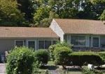 Foreclosed Home en SAINT ANDREWS DR, Brentwood, NY - 11717