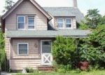 Foreclosed Home en 2ND ST, Islip, NY - 11751