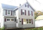 Foreclosed Home en HARRISON AVE, Bay Shore, NY - 11706