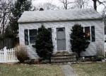 Foreclosed Home en GOELLER AVE, Huntington Station, NY - 11746