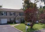 Foreclosed Home en CORTELYOU ST, Islip, NY - 11751
