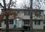 Foreclosed Home en BROADWAY GREENLAWN, Huntington, NY - 11743