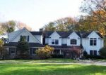 Foreclosed Home en SNAKE HILL RD, Cold Spring Harbor, NY - 11724