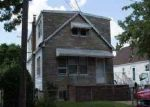 Foreclosed Home en DOHERTY AVE, Elmont, NY - 11003