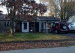 Foreclosed Home en VAN WYCK DR, Poughkeepsie, NY - 12601