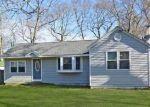 Foreclosed Home en BAYBRIGHT DR E, Shirley, NY - 11967