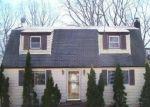 Foreclosed Home en STUYVESANT ST, Huntington, NY - 11743