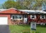 Foreclosed Home en COMMACK RD, Islip, NY - 11751