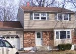 Foreclosed Home in PARK CIRCLE DR, Middletown, NY - 10940