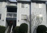 Foreclosed Home en NEWCASTLE GOLF CLUB RD, Renton, WA - 98059