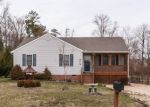 Foreclosed Home en FERINTOSH PL, Petersburg, VA - 23803