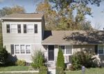 Foreclosed Home en WARFIELD RD, Glen Burnie, MD - 21060