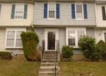 Foreclosed Home en MYERSVIEW DR, Middle River, MD - 21220
