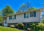 Foreclosed Home en SPRING CIR, Factoryville, PA - 18419