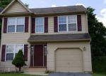 Foreclosed Home en HIGHLANDS CIR, Easton, PA - 18042