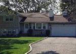 Foreclosed Home en S OCEAN AVE, Freeport, NY - 11520
