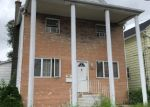 Foreclosed Home en W SIDNEY ST, Wilkes Barre, PA - 18705