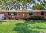 Foreclosed Home en BARMER DR, Jacksonville, FL - 32210
