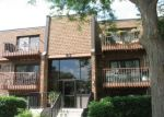 Foreclosed Home en WATERFORD RD S, Schaumburg, IL - 60193