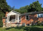Foreclosed Home en W CHERRY ST, Marion, VA - 24354