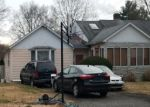 Foreclosed Home en MEADOWPARK AVE W, Stamford, CT - 06905